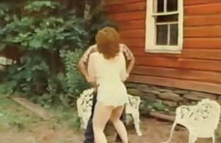 مثير امرأة سمراء يتيح رجل يمارس الجنس معها سكس اجنبيه مترجمه في الحمار
