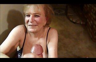 أنا صورت صديق الرجيج افلام سكس اجنبية مترجمه قبالة على الكاميرا والسماح لها لعق بوسها
