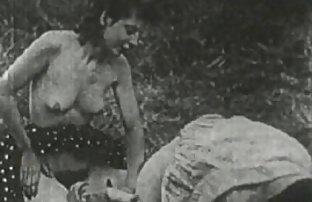 أحرقت امرأة سمراء جميلة سكس اجنبيه مترجمه في الحمام لأن handjob و فطم من الاستمناء مع الديك