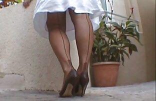 فاتح للشهية الساقطة تنتشر ساقيها و افلام سكس أجنبية مترجمة استمنى لها L. يلهون