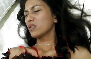 يتم وضع امرأة سمراء مع افلام اجنبيه جنسيه مترجمه كمية من الحليب للرجل الحبيب لها أمام العدسة